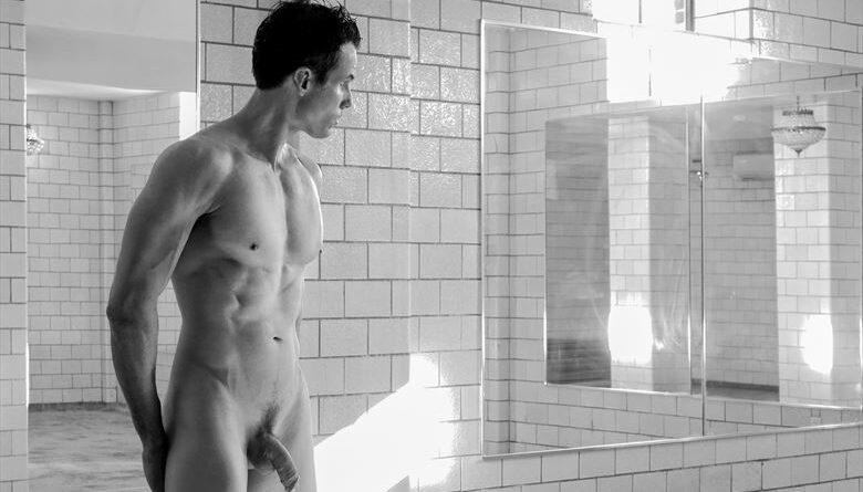 Nudez masculina ainda é tratada como tabu?