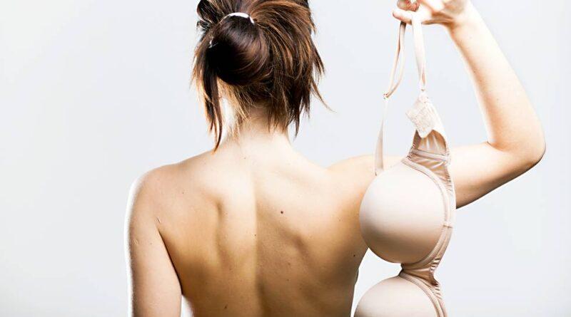 Como não usar sutiã pode afetar o corpo de uma mulher (de acordo com os médicos)